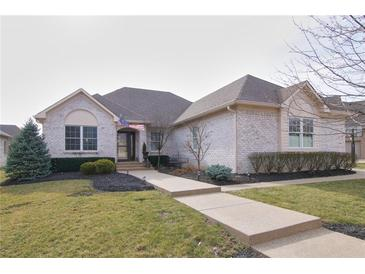Photo one of 2857 N Bloomsbury Dr Greenwood IN 46143 | MLS 21771010