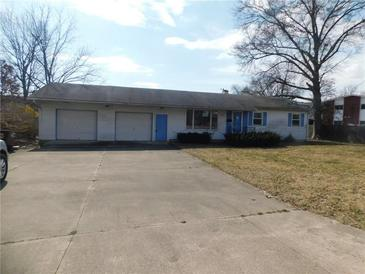 Photo one of 3215 25Th St Columbus IN 47203 | MLS 21771178