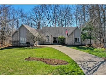 Photo one of 12957 Fawns Rdg Fishers IN 46038 | MLS 21771346