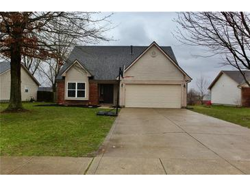 Photo one of 680 Red Oak Way Mooresville IN 46158 | MLS 21771699