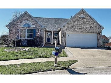 Photo one of 1129 Berrywood Dr Greenwood IN 46143 | MLS 21773603