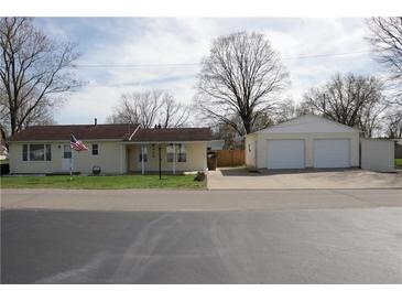Photo one of 506 Glendale Dr Columbus IN 47201   MLS 21775560