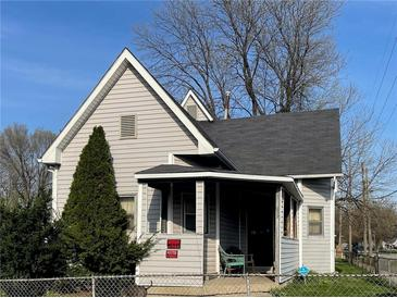 Photo one of 655-659 Warren Ave Indianapolis IN 46221 | MLS 21776031
