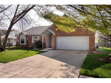 Photo one of 7716 Winding Creek Dr Indianapolis IN 46236 | MLS 21776127