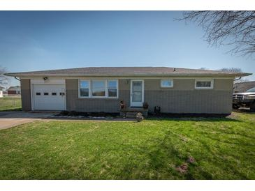 Photo one of 2811 E South St Columbus IN 47201 | MLS 21776136