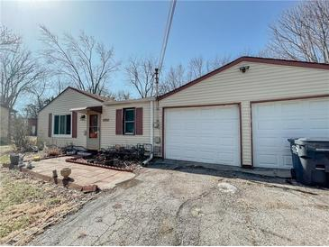Photo one of 1050 Janet Dr Greenwood IN 46142 | MLS 21776205