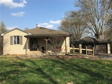 Photo one of 4709 S County Road 500 E Plainfield IN 46168 | MLS 21776891