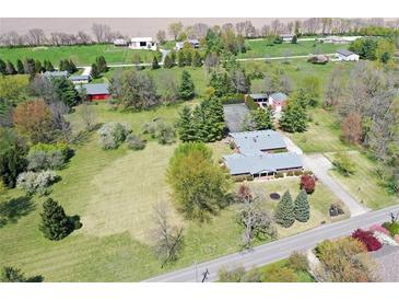 Photo one of 2084 E Old Rushville Rd Shelbyville IN 46176 | MLS 21779090