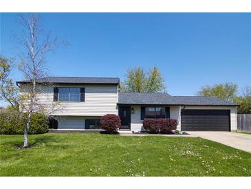 Photo one of 91 Meadow Creek Blvd Whiteland IN 46184 | MLS 21781038