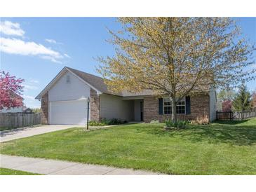 Photo one of 11 Valley View Brownsburg IN 46112   MLS 21781145