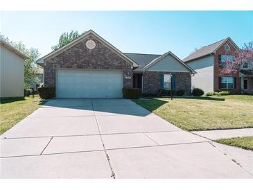 Photo one of 824 Trotter Ct Greenwood IN 46143 | MLS 21781421