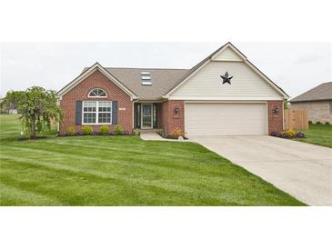 Photo one of 5208 W Stonehaven Ln New Palestine IN 46163 | MLS 21781546
