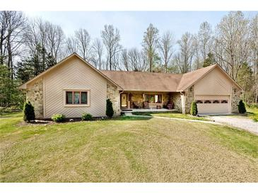 Photo one of 6640 Lakewood Ln Martinsville IN 46151   MLS 21781681
