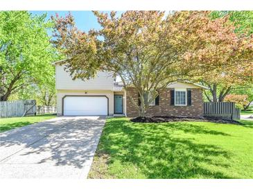 Photo one of 804 Moss Oak Ct Indianapolis IN 46217 | MLS 21782102