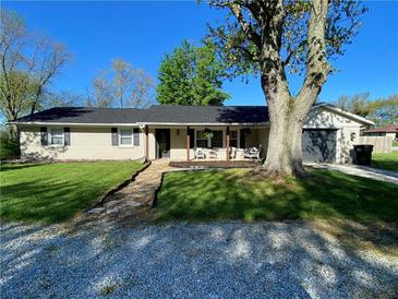 Photo one of 3082 S La Vista Blvd Columbus IN 47203 | MLS 21782506