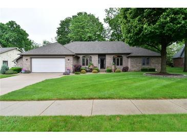 Photo one of 2349 Willow Circle Dr Greenwood IN 46143 | MLS 21787290