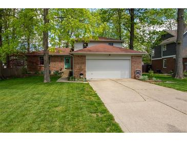 Photo one of 1338 Old Hickory Cir Greenwood IN 46142 | MLS 21788448