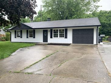 Photo one of 1421 Bramble Way Anderson IN 46011 | MLS 21789156