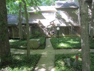 Photo one of 3826 Wilderness Trl # 3 Indianapolis IN 46237 | MLS 21789673
