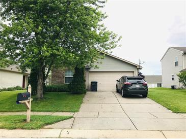 Photo one of 1765 Farm Meadow Dr Greenwood IN 46143 | MLS 21789698