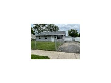 Photo one of 2907 N Routiers Ave Indianapolis IN 46219   MLS 21790065