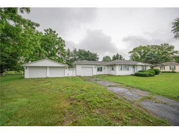 Photo one of 304 Deaver Rd Columbus IN 47201 | MLS 21790211