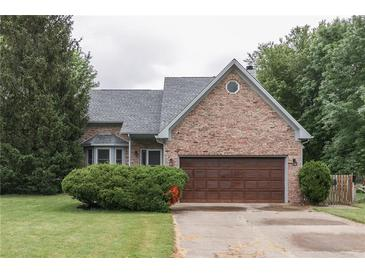 Photo one of 7153 Hollingsworth Dr Indianapolis IN 46268 | MLS 21790640