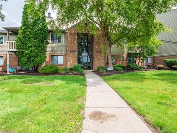 Photo one of 4331 Village Parkway W Cir # 7 Indianapolis IN 46254 | MLS 21796273