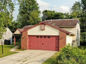 Photo one of 11111 Essen Ct Indianapolis IN 46235 | MLS 21797118