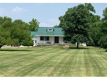 Photo one of 700 E State Road 28 Muncie IN 47303 | MLS 21797489