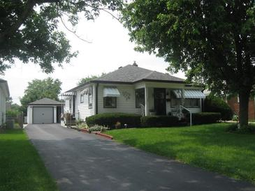 Photo one of 214 N 14Th Ave Beech Grove IN 46107 | MLS 21799239