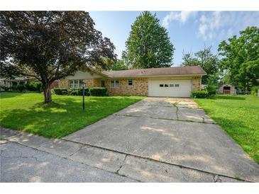 Photo one of 5115 Yellowwood Dr Columbus IN 47203 | MLS 21799466