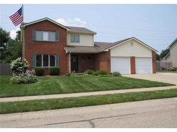 Photo one of 3864 Greenbriar Dr Columbus IN 47203 | MLS 21799990