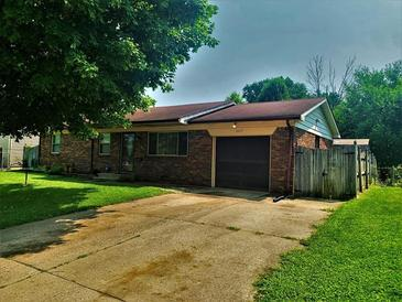 Photo one of 1615 S 9Th Ave Beech Grove IN 46107 | MLS 21800080