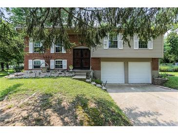 Photo one of 604 Shady Creek Dr Greenwood IN 46142 | MLS 21800330