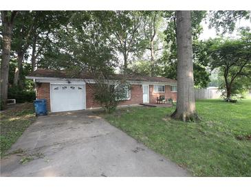 Photo one of 1601 Crest Ct Indianapolis IN 46214   MLS 21800539