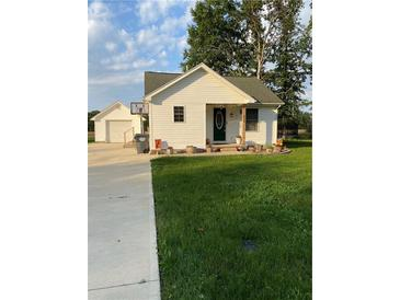 Photo one of 516 Hillside Dr Anderson IN 46011   MLS 21805090
