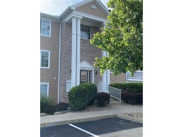 Photo one of 6526 Jade Stream Ct # 207 Indianapolis IN 46237 | MLS 21808665