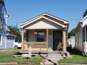 Photo one of 907 Arbor Ave Indianapolis IN 46221   MLS 21810162