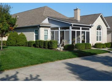 Photo one of 5951 Quail Run Dr Indianapolis IN 46237   MLS 21811494
