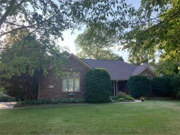 Photo one of 241 E Woodfield Ln Mooresville IN 46158 | MLS 21812035