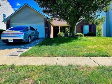 Photo one of 6037 Copeland Mills Dr Indianapolis IN 46221   MLS 21812110