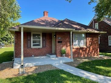 Photo one of 2207 Gilmore St Columbus IN 47201 | MLS 21812162