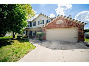 Photo one of 1213 Barrington Dr Greenwood IN 46143 | MLS 21812352