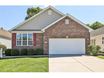 Photo one of 1029 Lincoln Park E Dr Greenwood IN 46142 | MLS 21812468