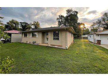 Photo one of 727 Fairview Dr. Columbus IN 47201   MLS 21812718