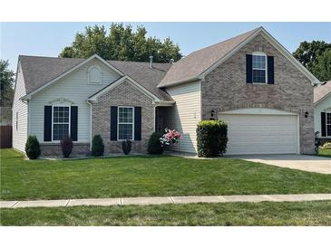 Photo one of 4563 W Woodtrail Ct New Palestine IN 46163 | MLS 21812930