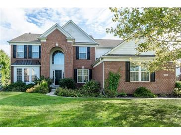 Photo one of 4801 Pebblepointe Pass Zionsville IN 46077 | MLS 21815870