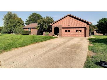 Photo one of 1640 Creekside Ct Plainfield IN 46168 | MLS 21816014