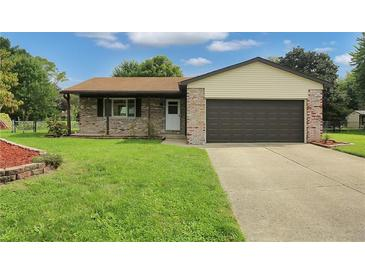 Photo one of 1225 Apple Valley Rd Greenwood IN 46142 | MLS 21817045